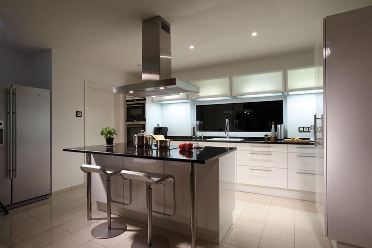 AVEO - Küche homify Moderne Küchen