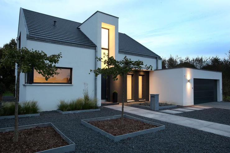 Architektur Jansen Casas de estilo minimalista