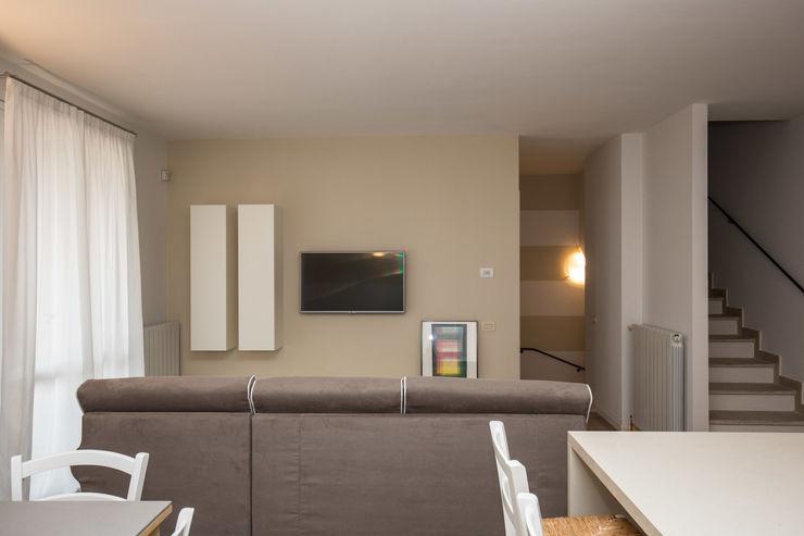 Un luogo dove potersi rilassare… … HP Interior srl SoggiornoDivani & Poltrone