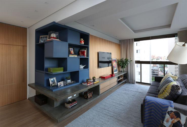 MANDRIL ARQUITETURA E INTERIORES Moderne Wohnzimmer