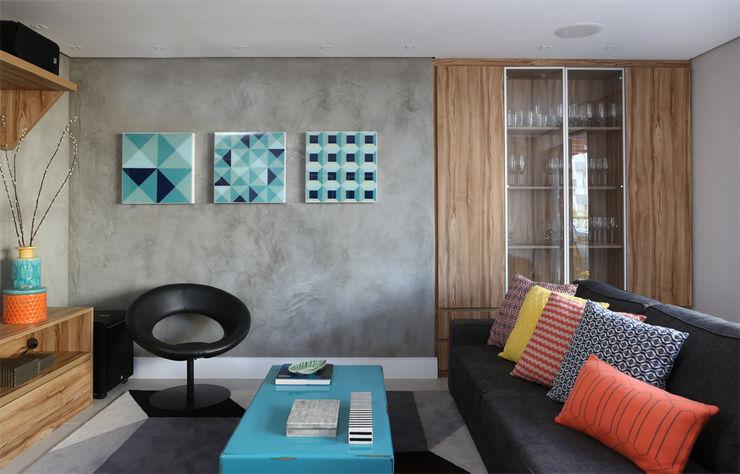 MANDRIL ARQUITETURA E INTERIORES Modern style media rooms