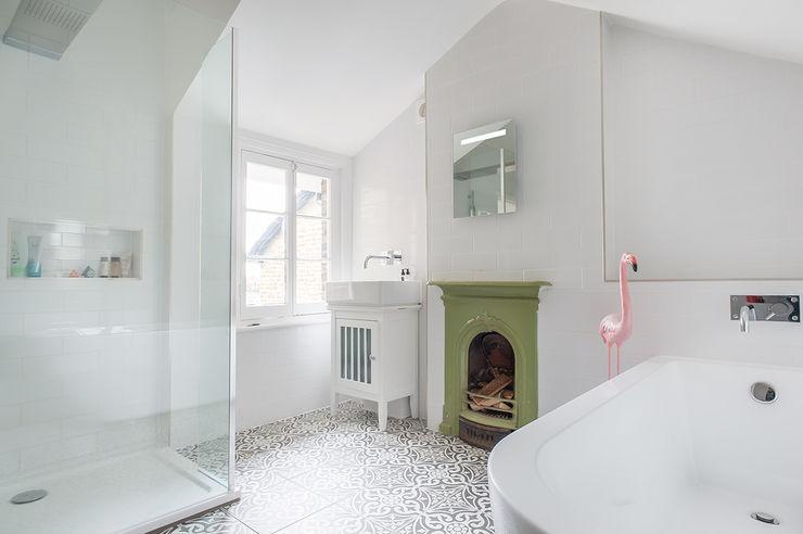Full House Renovation with Crittall Extension, London HollandGreen Ausgefallene Badezimmer