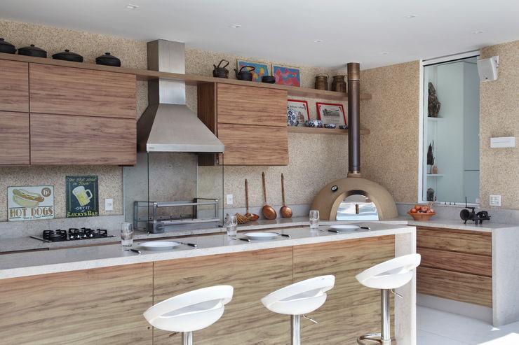 Carolina Mendonça Projetos de Arquitetura e Interiores LTDA Balcones y terrazas modernos: Ideas, imágenes y decoración
