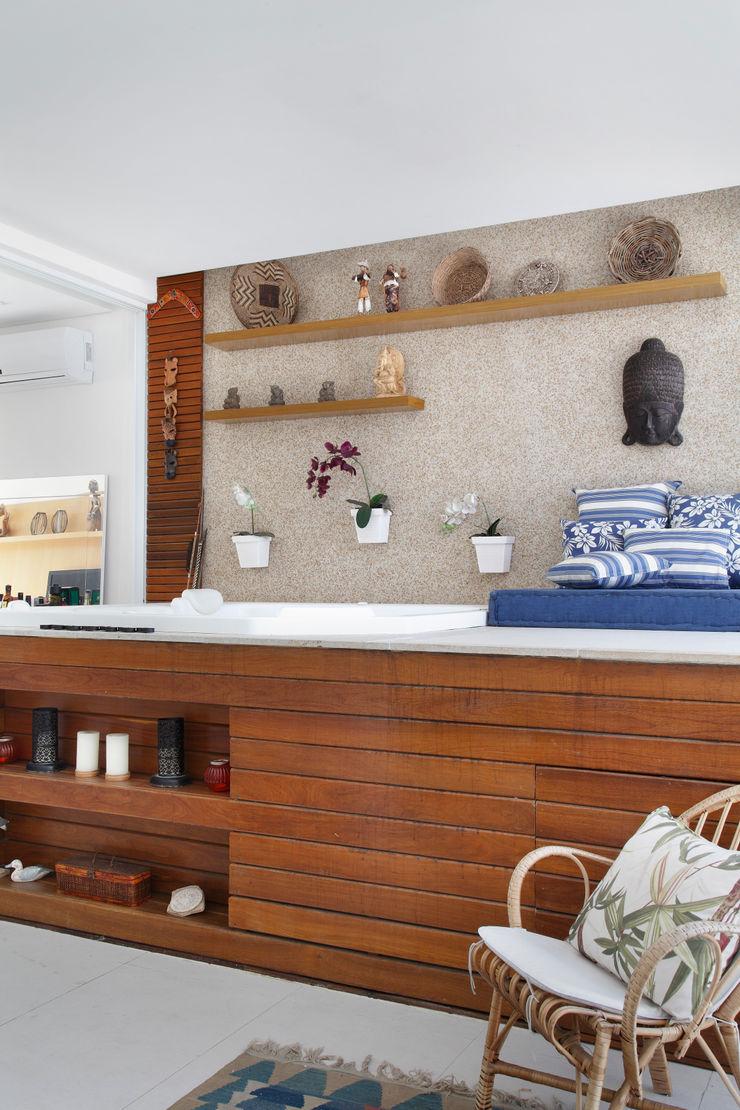 Carolina Mendonça Projetos de Arquitetura e Interiores LTDA Spa modernos
