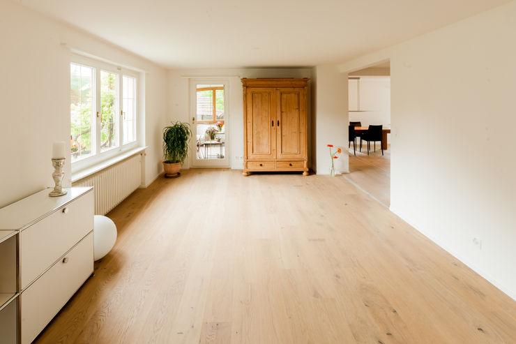 Wohnzimmer von Mann Architektur GmbH Moderne Wohnzimmer