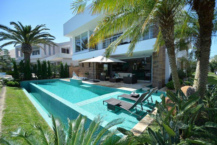 Eliane Fanti Arquitetura 泳池