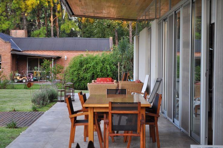 Baltera Arquitectura Balcone, Veranda & Terrazza in stile classico