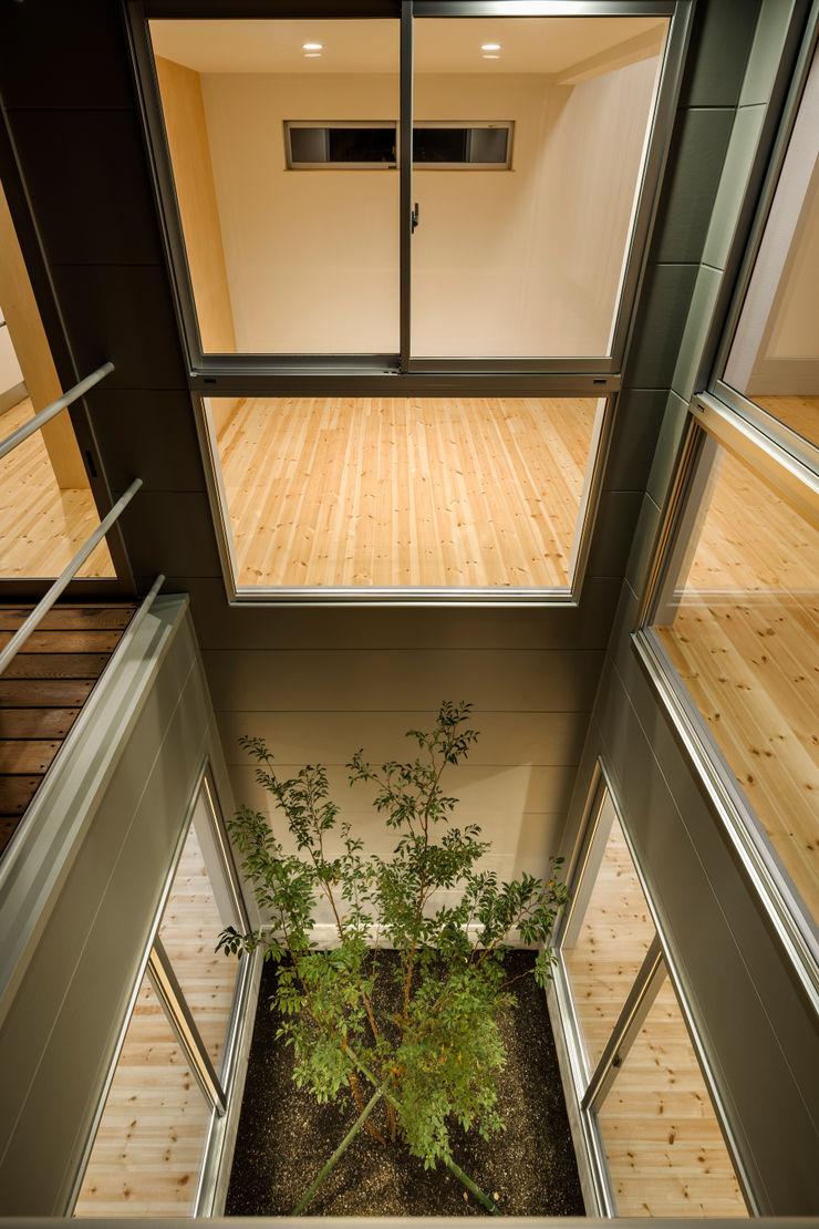 萩原健治建築研究所 Minimalist style garden
