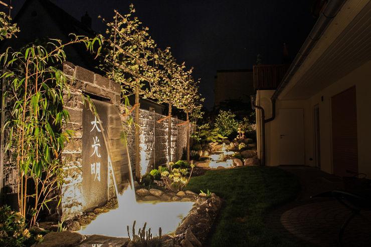 Asianstyle design garden -GardScape- private gardens by Christoph Harreiß Jardin asiatique