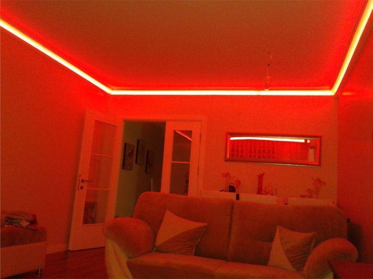 Rengarenk tavanlar-Gizli aydınlatma,dekoratif ışıklı kartonpiyer ve bordür sistemleri; LEDPiYER Kartonpiyer san. Modern Multimedya Odası