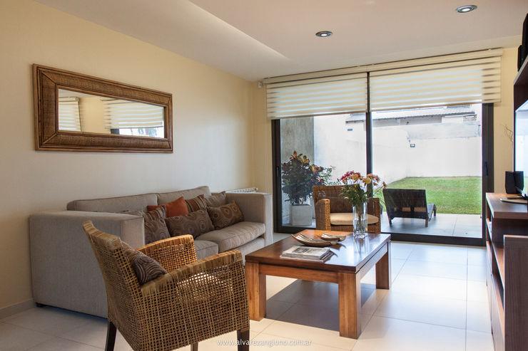 Estudio Alvarez Angiono Modern Living Room