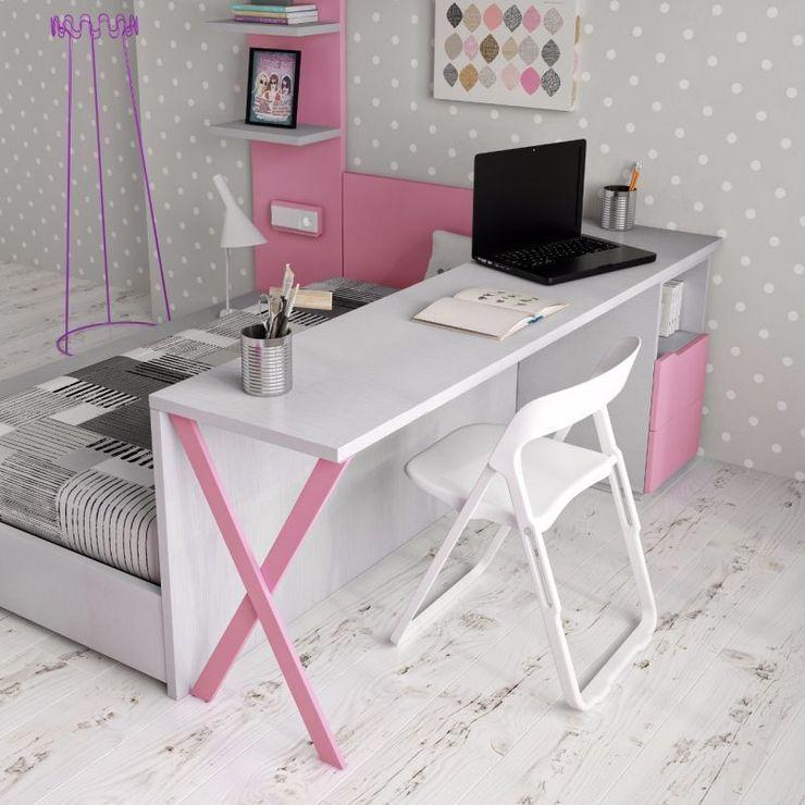 homify KinderzimmerSchreibtische und Stühle