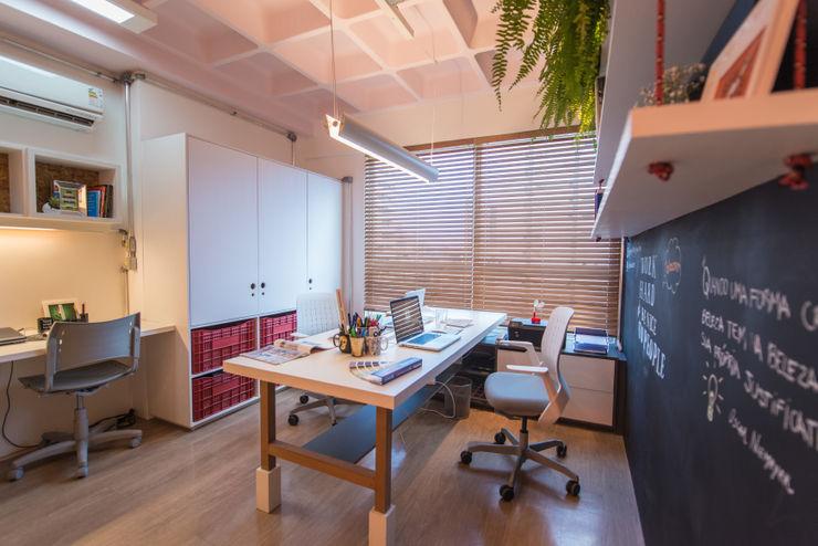 Bloom Arquitetura e Design Oficinas de estilo moderno
