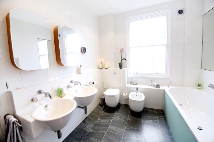 Angel, Islington N1, London | Mansard roof house extension GOAStudio | London residential architecture Ванна кімната