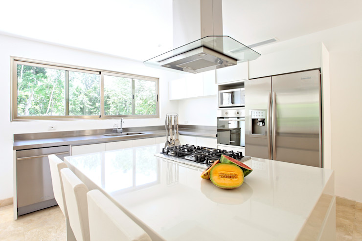 Enrique Cabrera Arquitecto Modern kitchen