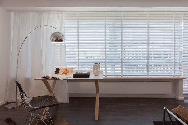 419 JUMA architects Moderne studeerkamer