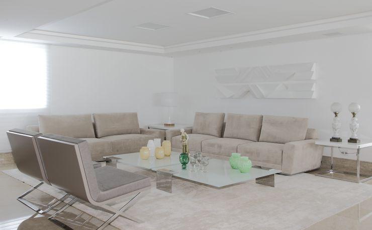 ROMERO DUARTE & ARQUITETOS Modern living room