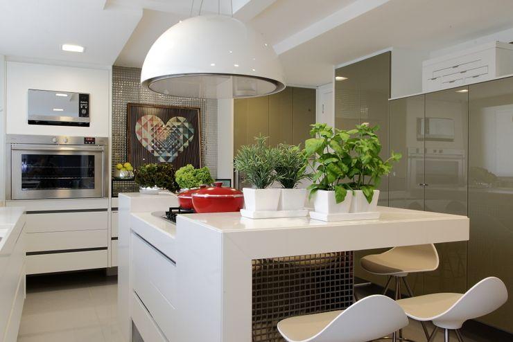 ROMERO DUARTE & ARQUITETOS Cocinas de estilo moderno