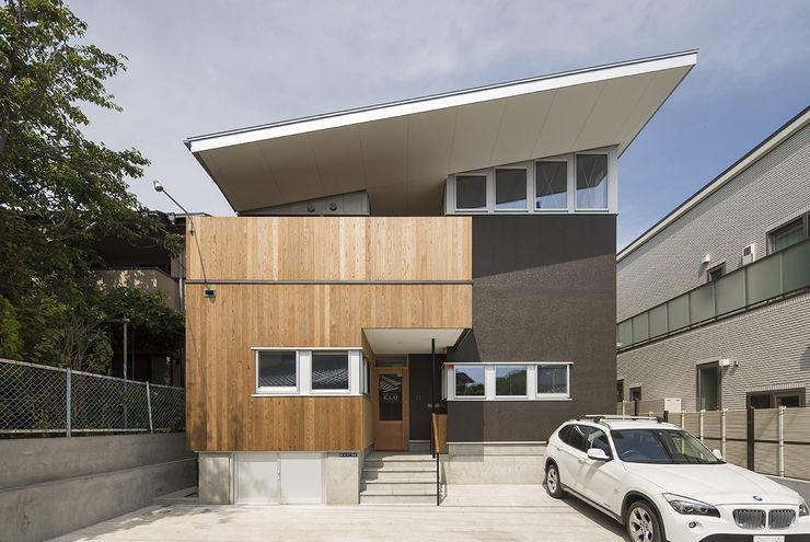 株式会社建楽設計 Rumah Modern Kayu
