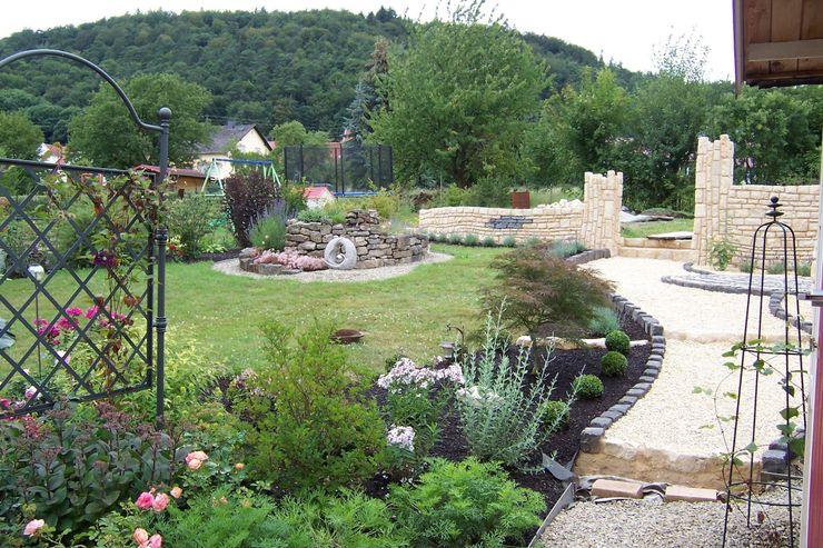 Natursteinmauerwerk Maurerkunst Mediterraner Garten