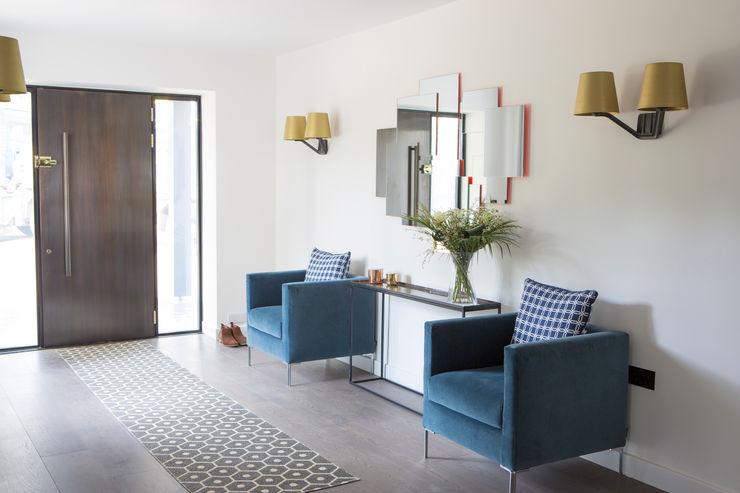 Private Residence, Surrey Nice Brew Interior Design 現代風玄關、走廊與階梯