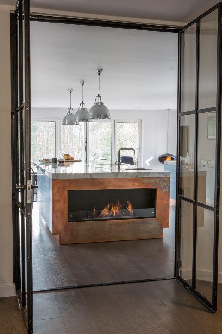 Private Residence, Surrey Nice Brew Interior Design Modern kitchen