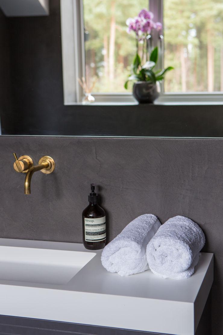 Private Residence, Surrey Nice Brew Interior Design Modern bathroom