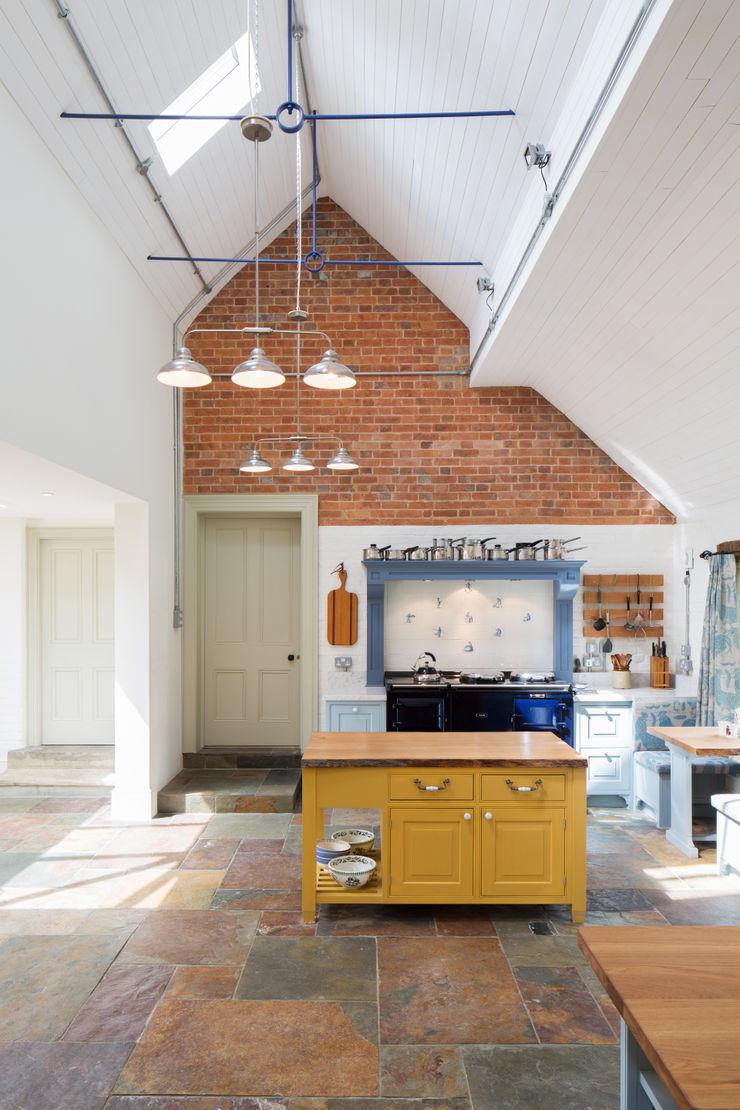 Traditional Farmhouse Kitchen Extension, Oxfordshire HollandGreen Kitchen