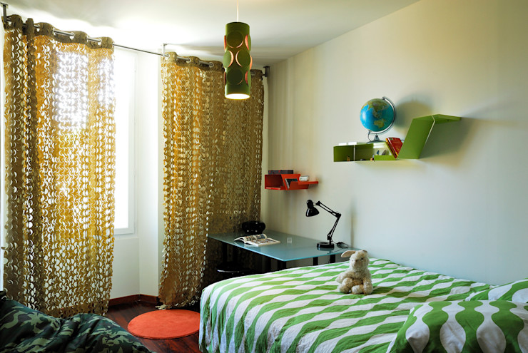 STEPHANIE MESSAGER Eclectic style nursery/kids room