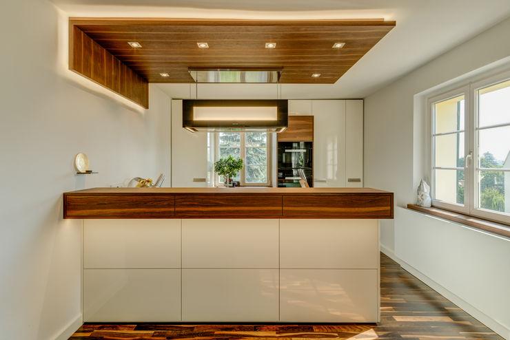 dieMeisterTischler Modern kitchen