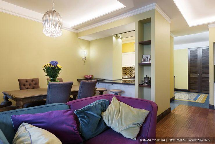 Квартира на Петроградке в колониальном стиле Ольга Кулекина - New Interior Гостиная в колониальном стиле Многоцветный