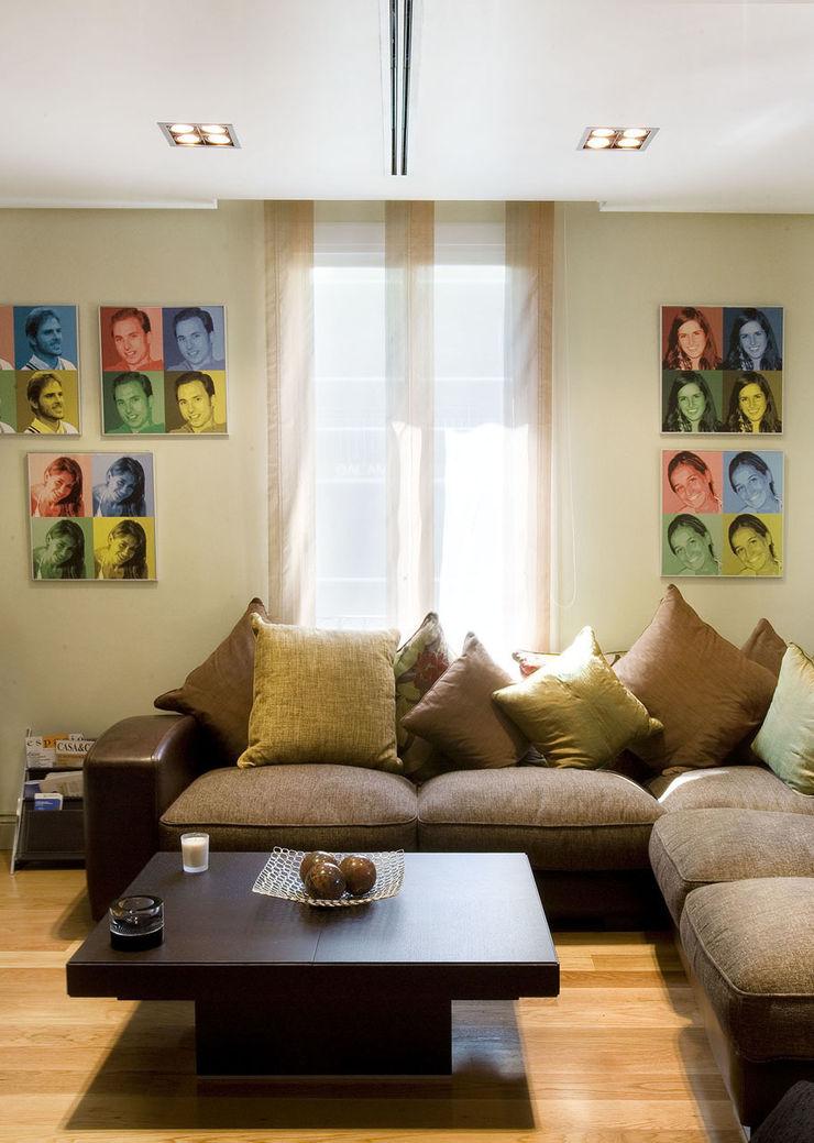 DISEÑO Y ARQUITECTURA INTERIOR Living roomSofas & armchairs