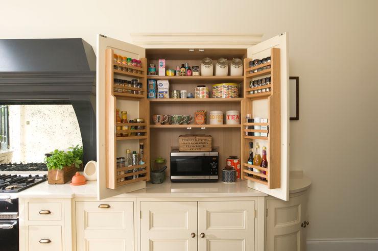 Classic Contemporary Bespoke Kitchen, Kent Humphrey Munson Klassieke keukens