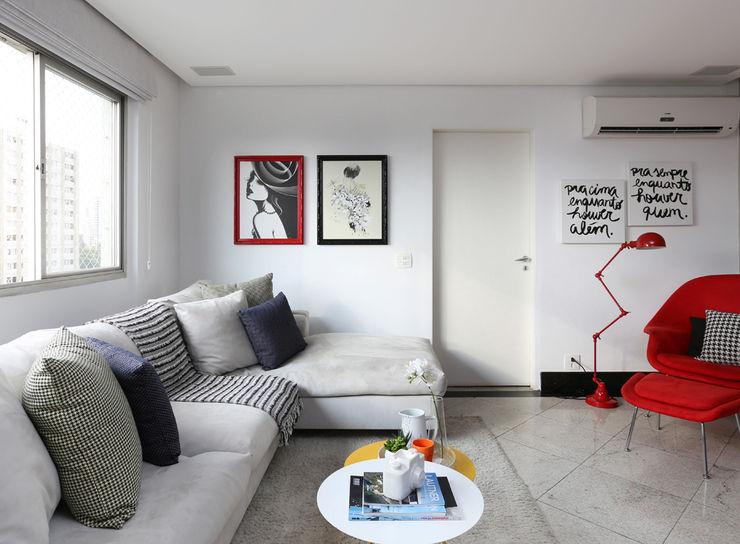 Duda Senna Arquitetura e Decoração Living roomAccessories & decoration