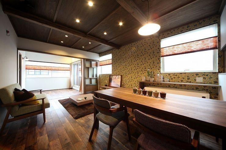 大正ロマンを感じる家 / zuiun zuiun建築設計事務所 / 株式会社 ZUIUN モダンデザインの リビング