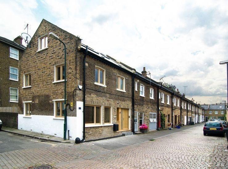 Victoria Mews Bradley Van Der Straeten Architects Classic style houses