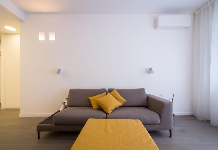 ristrutturami Salones de estilo minimalista