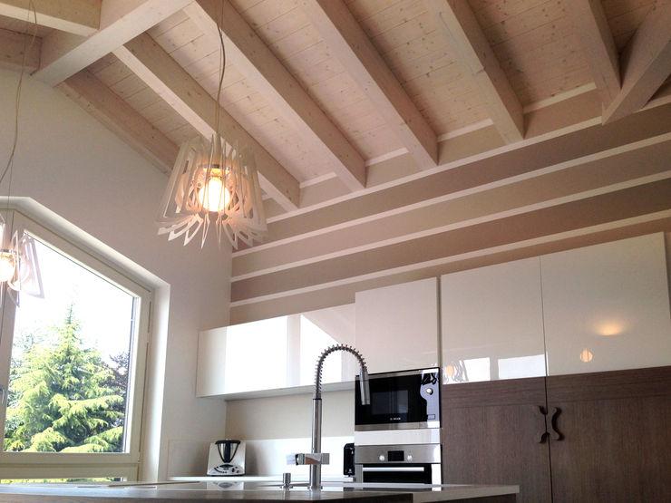 Villa singola in legno Marlegno Cucina in stile classico Legno