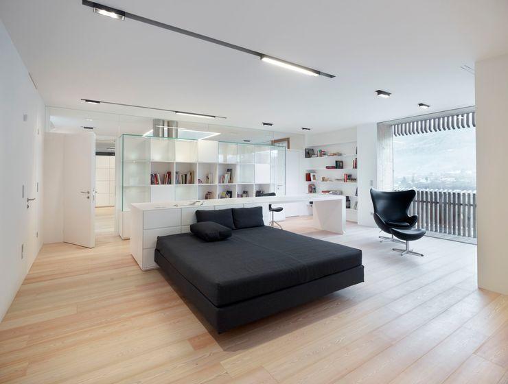 homify Minimalist bedroom
