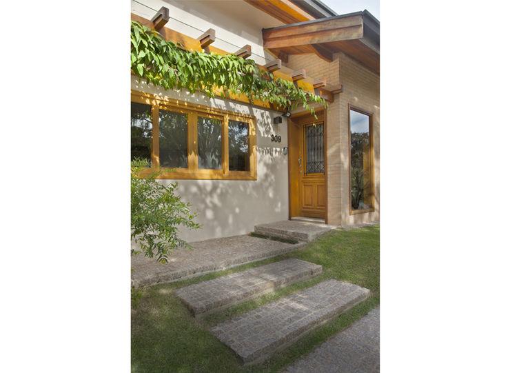 Cria Arquitetura Rustic style houses