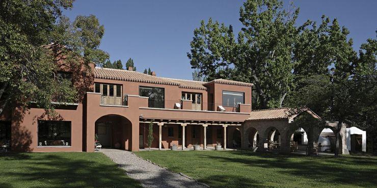Bórmida & Yanzón arquitectos Rustic style houses