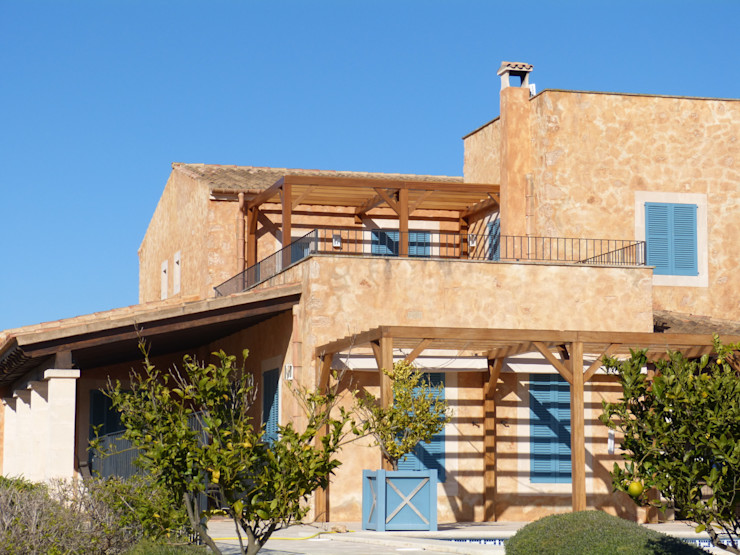 pergola MIDE architetti Mediterranean style house