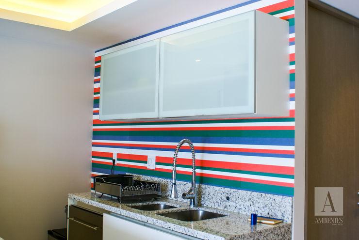 homify 現代廚房設計點子、靈感&圖片 布織品 Red
