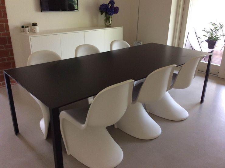Villa a Varese : pranzo vannia.maldari Sala da pranzo minimalista