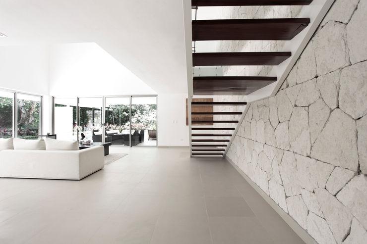 Enrique Cabrera Arquitecto Couloir, entrée, escaliers modernes