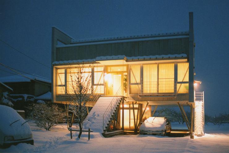 原 空間工作所 HARA Urban Space Factory Eclectic style houses White