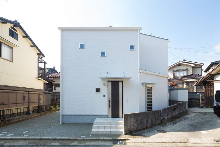 株式会社かんくう建築デザイン บ้านและที่อยู่อาศัย