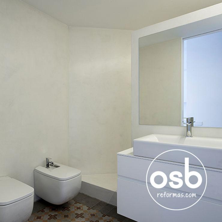 osb arquitectos Modern Bathroom