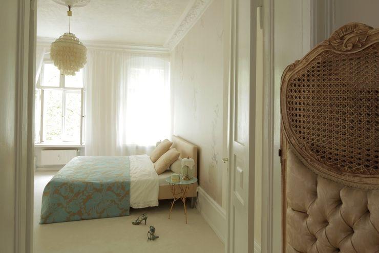 homify Dormitorios de estilo clásico