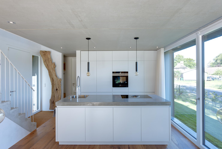 Haus Wieckin Кухня в стиле модерн